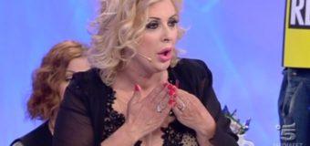 Tina Cipollari vs Maria De Filippi: il motivo abbandono Uomini e Donne