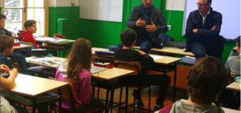 Carlo Conti visita la scuola elementare di Sanremo