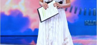 Alessia Marcuzzi ringrazia i fan de L'Isola dei Famosi 2017 per i super ascolti