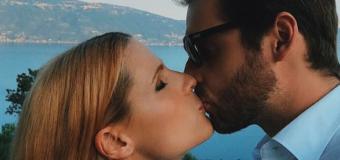 Michelle Hunziker lancia la sfida social al bacio più bello