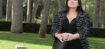 Serena Grandi rimanda le sue nozze: gossip al vetriolo!