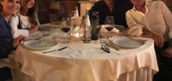 Simona Ventura, cena a quattro con un'amica speciale